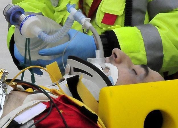 Robert Kubica doznał poważnych obrażeń w wyniku wypadku na trasie rajdu /AFP