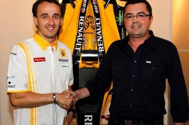 Robert Kubica i szef Renault F1 Team Eric Boullier chwilę po podpisaniu umowy /