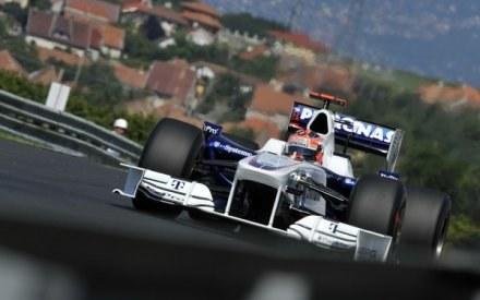 Robert Kubica wierzy, że pozostanie w F1. /AFP