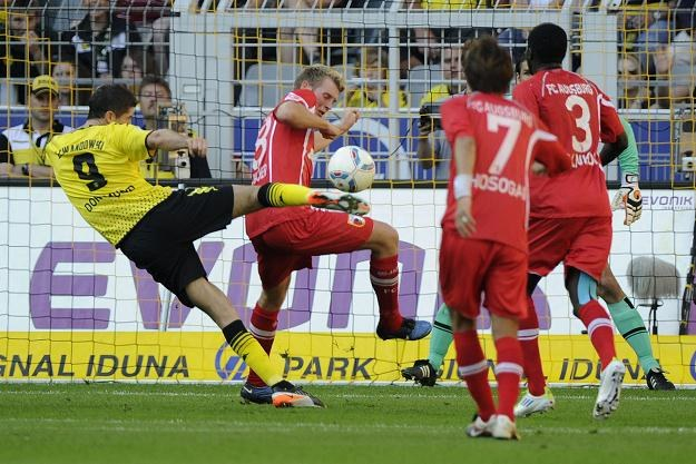 Robert Lewandowski podczas meczu Borussii Dortmund z FC Augsburg /PAP/EPA