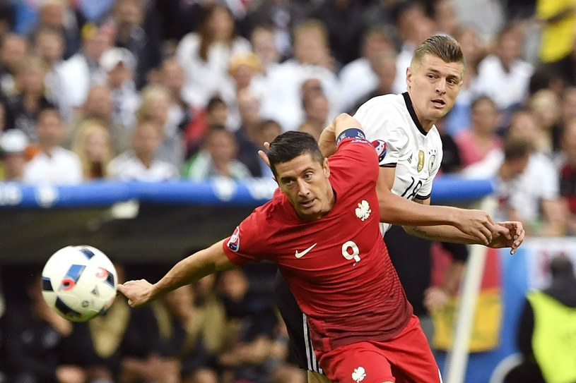 Robert Lewandowski podczas meczu z reprezentacją Niemiec /AFP