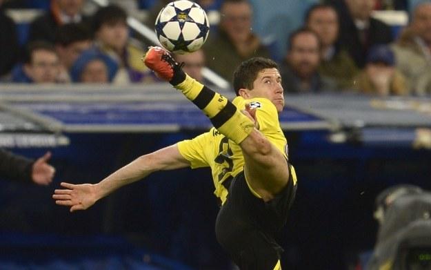 Robert Lewandowski - zdjęcie z meczu przeciwko hiszpańskiemu zespołowi Real Madryt /AFP