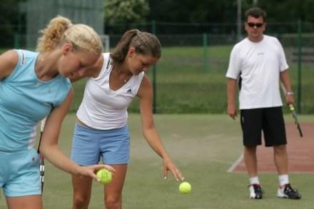 Robert Radwański podczas treningu z córkami, fot: Maciej Gillert /Agencja Przegląd Sportowy