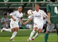 Roberto Carlos i David Beckham /AFP