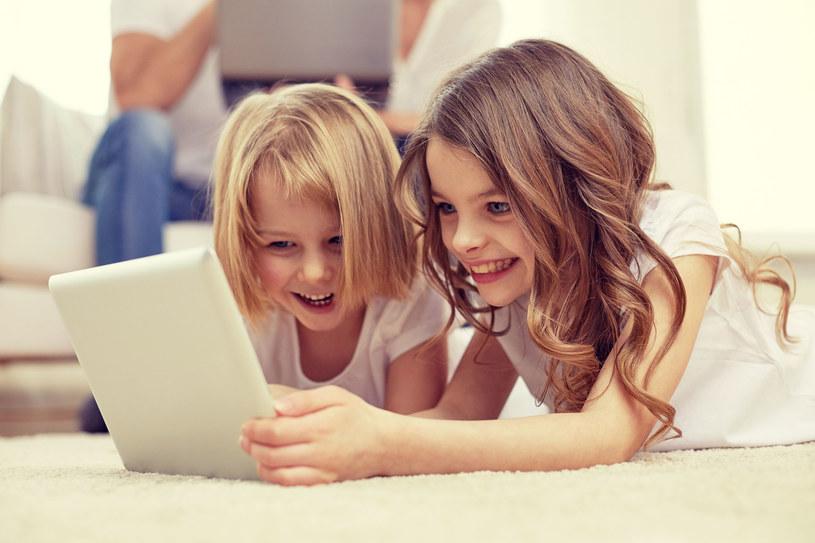 Robienie zakupów przez Internet jest dziecinnie proste /©123RF/PICSEL