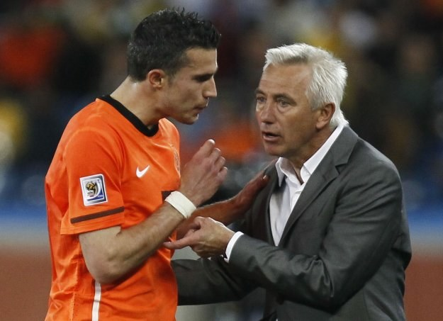 Robin van Persie nie mógł pogodzić się z decyzją trenera Berta van Marwijka /AFP