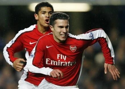 Robin Van Persie zostaje w Arsenalu Londyn /AFP