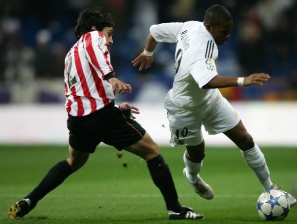 Robinho mija Medinę Exposito. Real-Athletic 4:0 /AFP