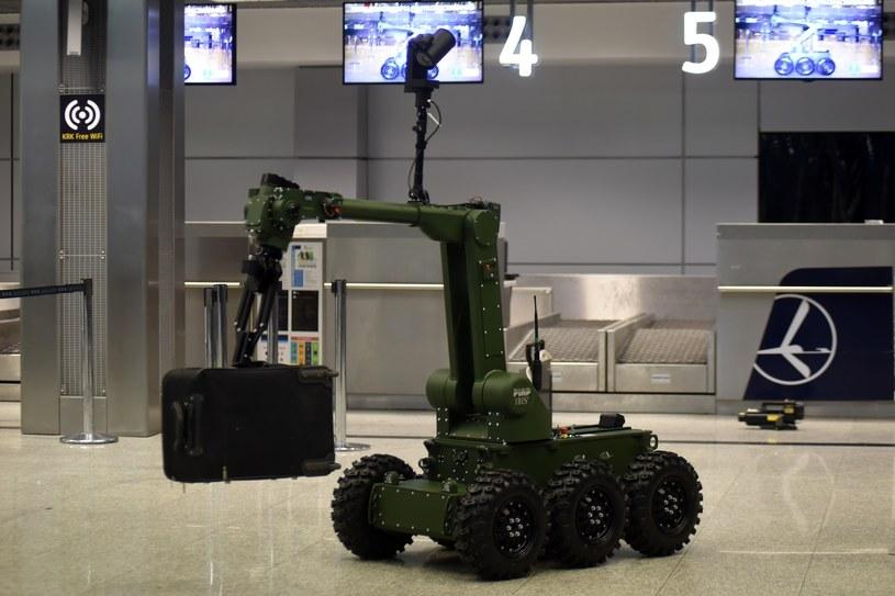 Robot pirotechniczny IBIS - PIAP /Marek Lasyk  /Reporter