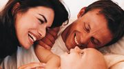 Roczny urlop macierzyński - pomaga, czy szkodzi?