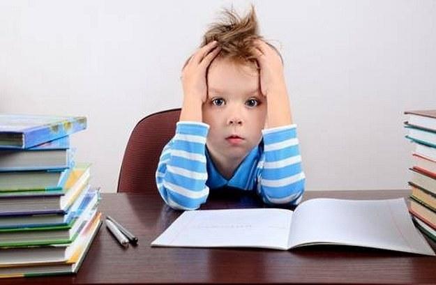 Rodzice chcą wiedzieć, czy ich dzieci są gotowe, by iść do szkoły /East News