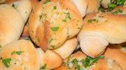 Rogaliki z serem feta i ziołami