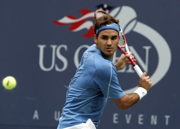 Roger Federer, geniusz przy pracy /AFP