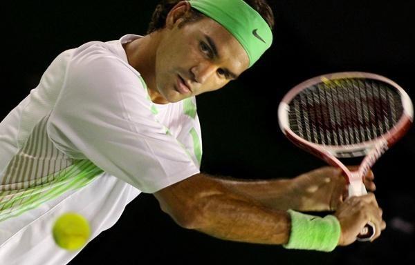 Roger Federer okazał się zbyt mocnym rywalem dla Nicolasa Kiefera /AFP