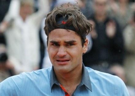 Roger Federer pokonał Hiszpana Davida Ferrera 3:6, 6:3, 6:4 /AFP