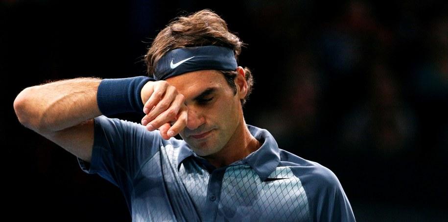 Roger Federer zaliczył najgorszy sezon od lat /YOAN VALAT  /PAP/EPA