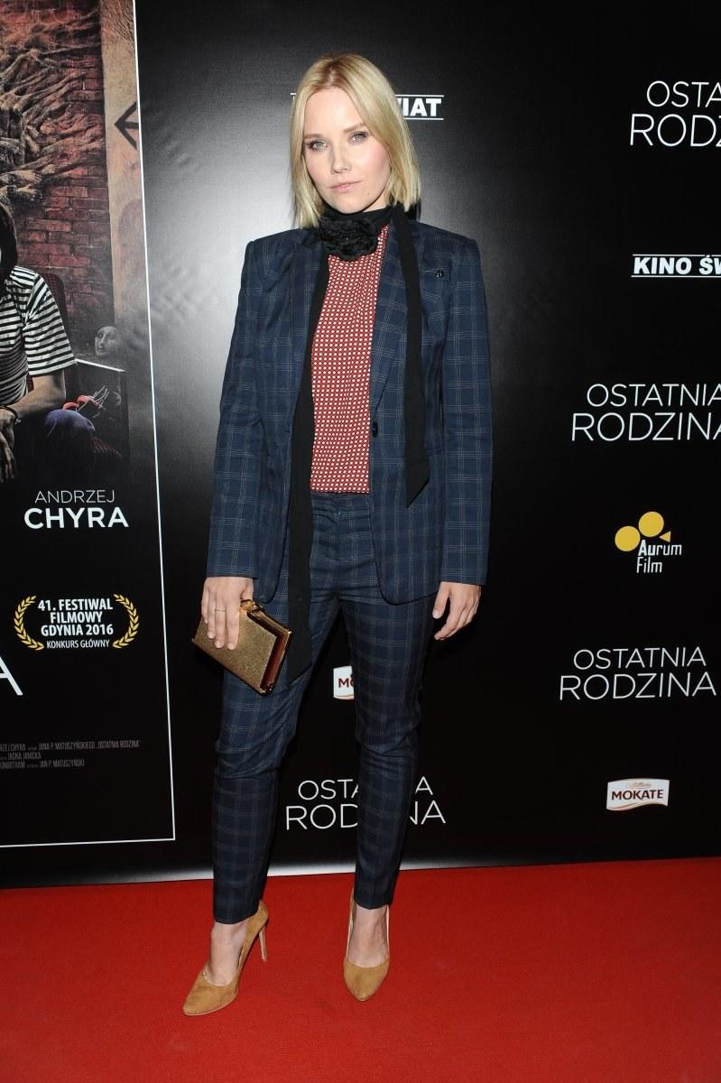 Roma Gąsiorowska w garniturze /MWMedia