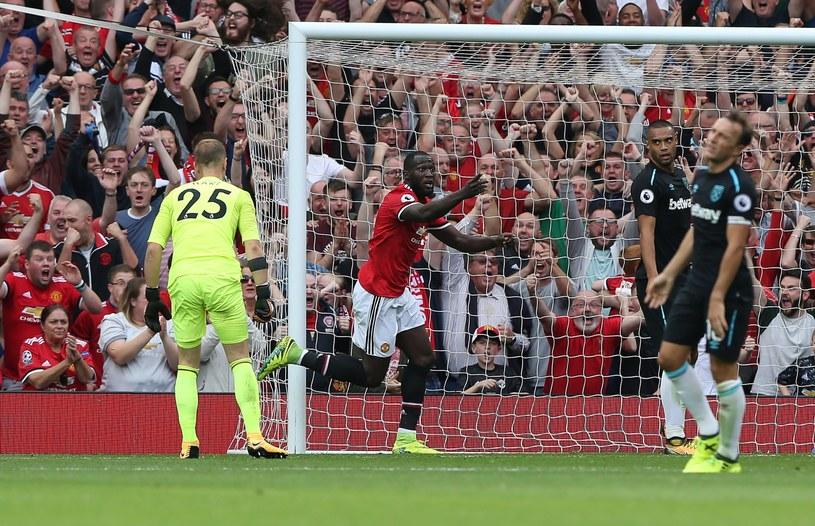 Romelu Lukaku cieszy się z gola dla Manchesteru United /PAP/EPA