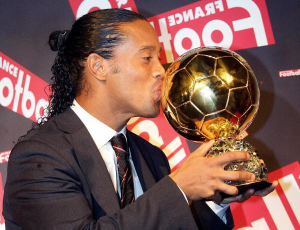 "Ronaldinho wygrał plebiscyt ""France Football"" /AFP"