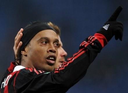 Ronaldinho zabalował, a Milan przegrał /AFP