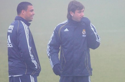 Ronaldo i Cassano jeszcze w barwach Realu /AFP