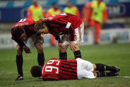 Ronaldo zwija się z bólu /AFP