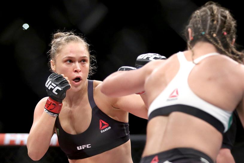 Ronda Rousey nie ma litości dla swoich przeciwniczek, fot. Matthew Stockman /Getty Images