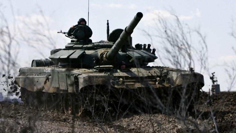 Rosja dozbraja swoje wojska /AFP