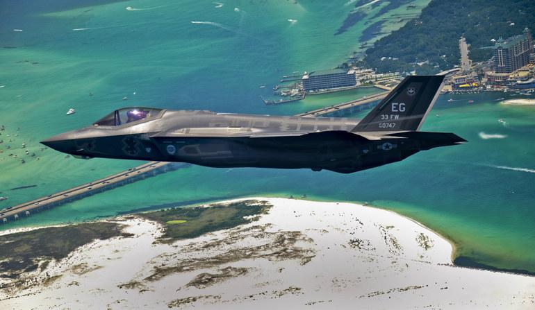 Rosjanie twierdzą, że myśliwiec F-35 nie będzie groźnym przeciwnikiem dla ich maszyn. Fot. Staff Sgt. Joely Santiago/USAF. /materiały prasowe