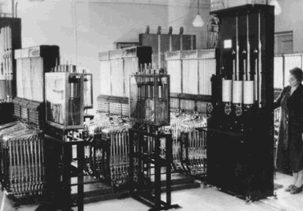 Rosjanie zbudowali komputer na wodę już w 1936 roku Fot. makezine.com /Gadżetomania.pl