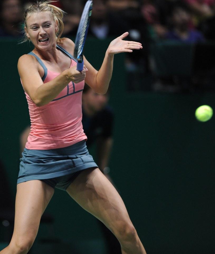 Rosjanka Maria Szarapowa podczas meczu z Wiktorią Azarenką /AFP