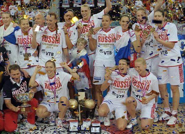 Rosjanki zdobyły w Łodzi złoty medal mistrzostw Europy koszykarek /AFP