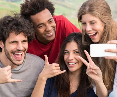 Rosyjscy uczeni ostrzegają. Selfie może wywoływać wszawicę!