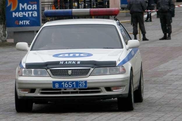 Rosyjska milicja jeździ dziwnymi samochodami. Fot. Vitoldas Millus /
