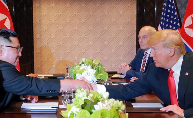 Rosyjska prasa o szczycie USA-Korea Płn.: Zwycięstwo towarzysza Kima