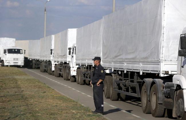 Rosyjski konwój /STRINGER /PAP/EPA