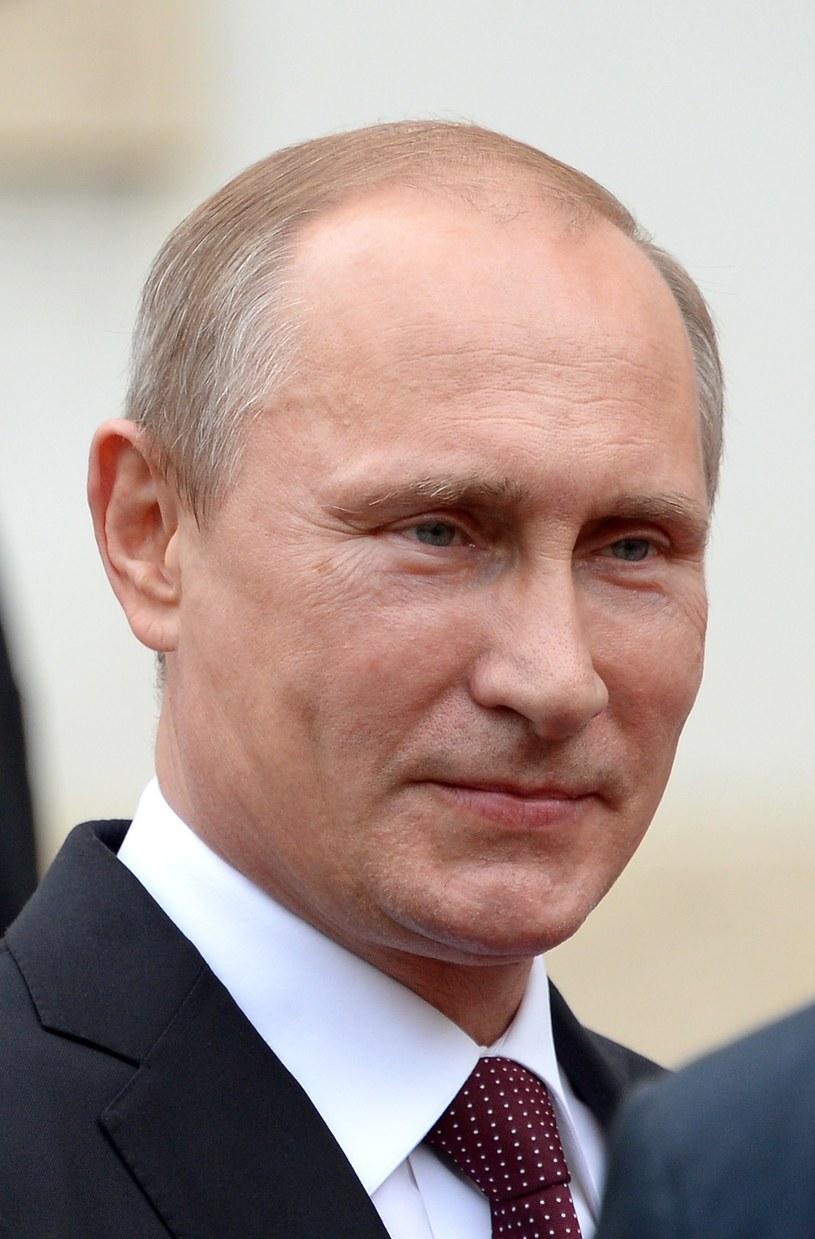 """""""Rosyjski"""" Putin to człowiek godny, z bohaterskiej rodziny partyjnej, który od dziecka chciał służyć Rosjanom /AFP"""