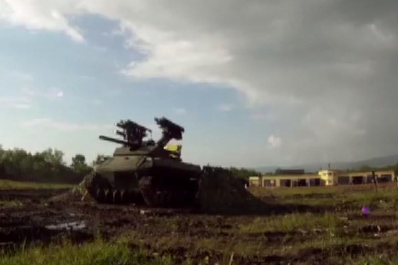 Rosyjski robot bojowy podczas testów. /YouTube