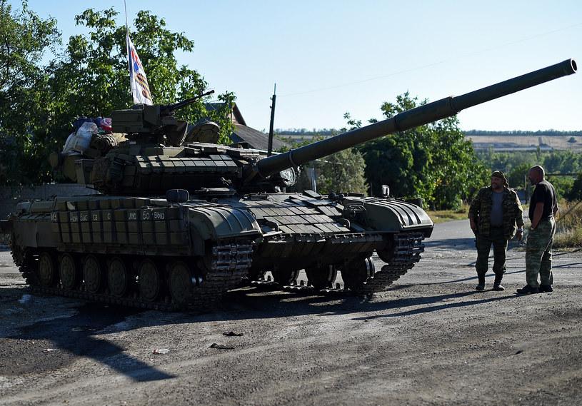 Rosyjski T-64 w Starobeszewie w obwodzie donieckim, 31 sierpnia 2014 /FRANCISCO LEONG /AFP