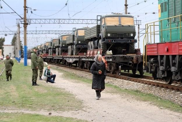 Rosyjskie Kamazy w drodze na Krym /AFP