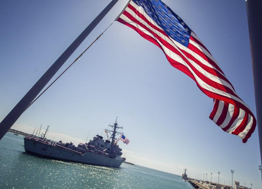 Rosyjskie samoloty wojskowe wykonywały manewry w pobliżu amerykańskiego niszczyciela USS Porter. Zdj. ilustracyjne /VICTOR LOPEZ /PAP/EPA