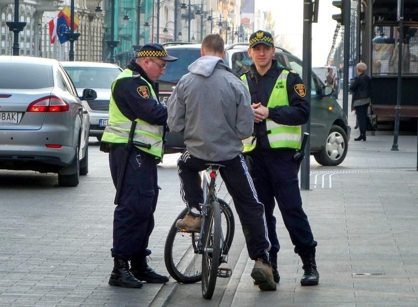 Rowerzysta to nie pieszy o czym wielu nie pamięta /Piotr Kamionka /Reporter