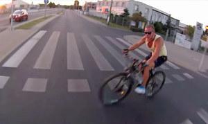 Rowerzysta wjechał wprost pod motocykl