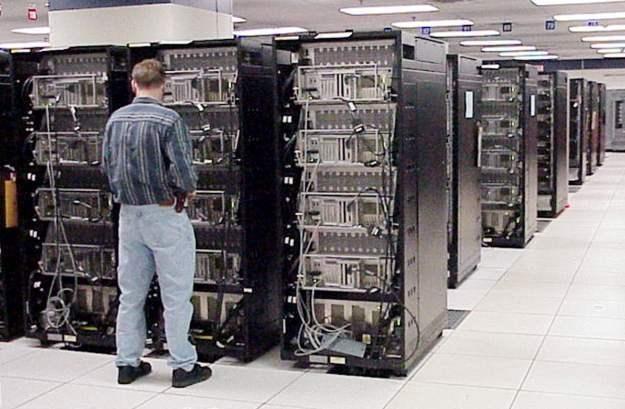 Rozbudowany Łomonosow będzie jednym z najpotężniejszych komputerów świata /AFP