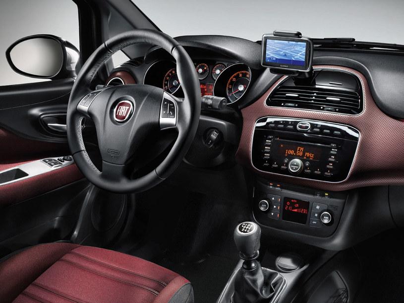 Rozmowa komórkowa w samochodzie bardzo nas absorbuje  /materiały prasowe