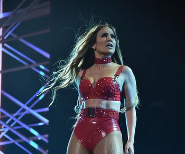 """Roztańczona Jennifer Lopez w nowym teledysku """"Amor Amor Amor"""""""