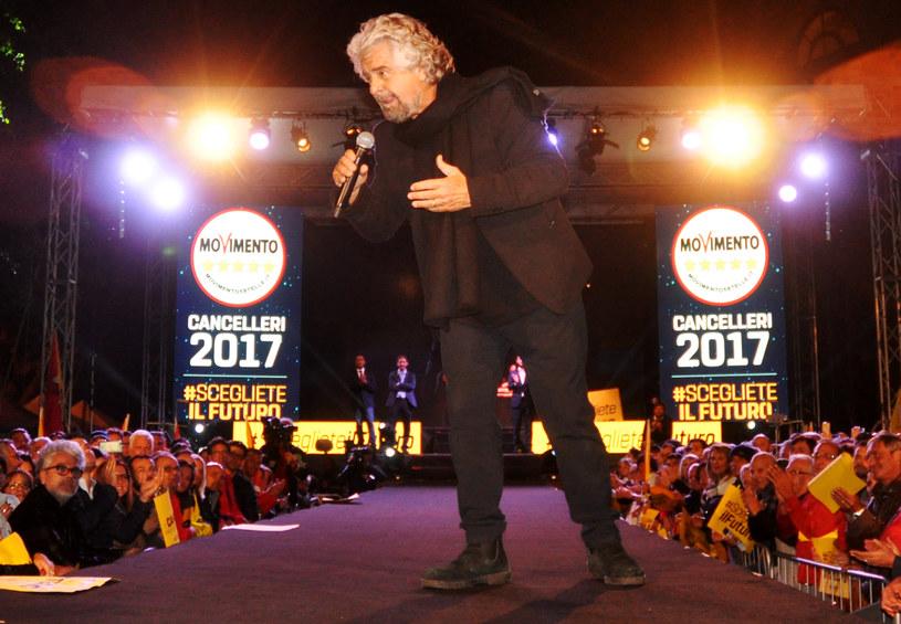 Ruch Pięciu Gwiazd komika Beppe Grillo prowadzi w przedwyborczym sondażu /Alessandro FUCARINI /AFP
