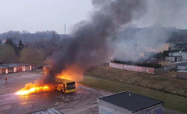 Ruda Śląska: Autobus zapalił się na pętli
