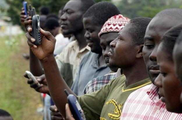 Rudy koltanu wydobywane w Kongu są obecne w większości współczesnych urządzeń elektronicznych /AFP