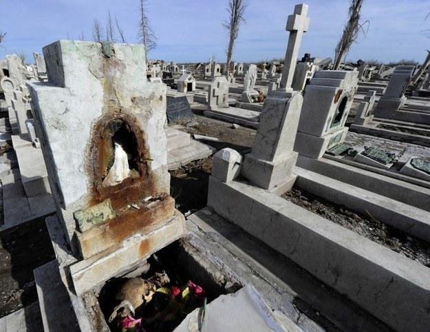 Ruiny miasta,które przez ponad 25 lat znajdowało się pod wodą. /AFP